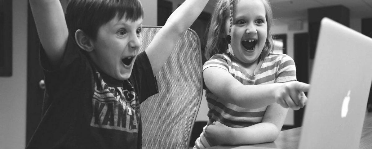 Mit dem kindergerechten Online-Bezahlsystem Okiko können Kids sicher online shoppen und der Onlinehandel ist Umsatzantrieb bei der schwedischen Möbelhauskette Ikea und der Deutschen Post - das liest Du heute in Deinen Weekly News.