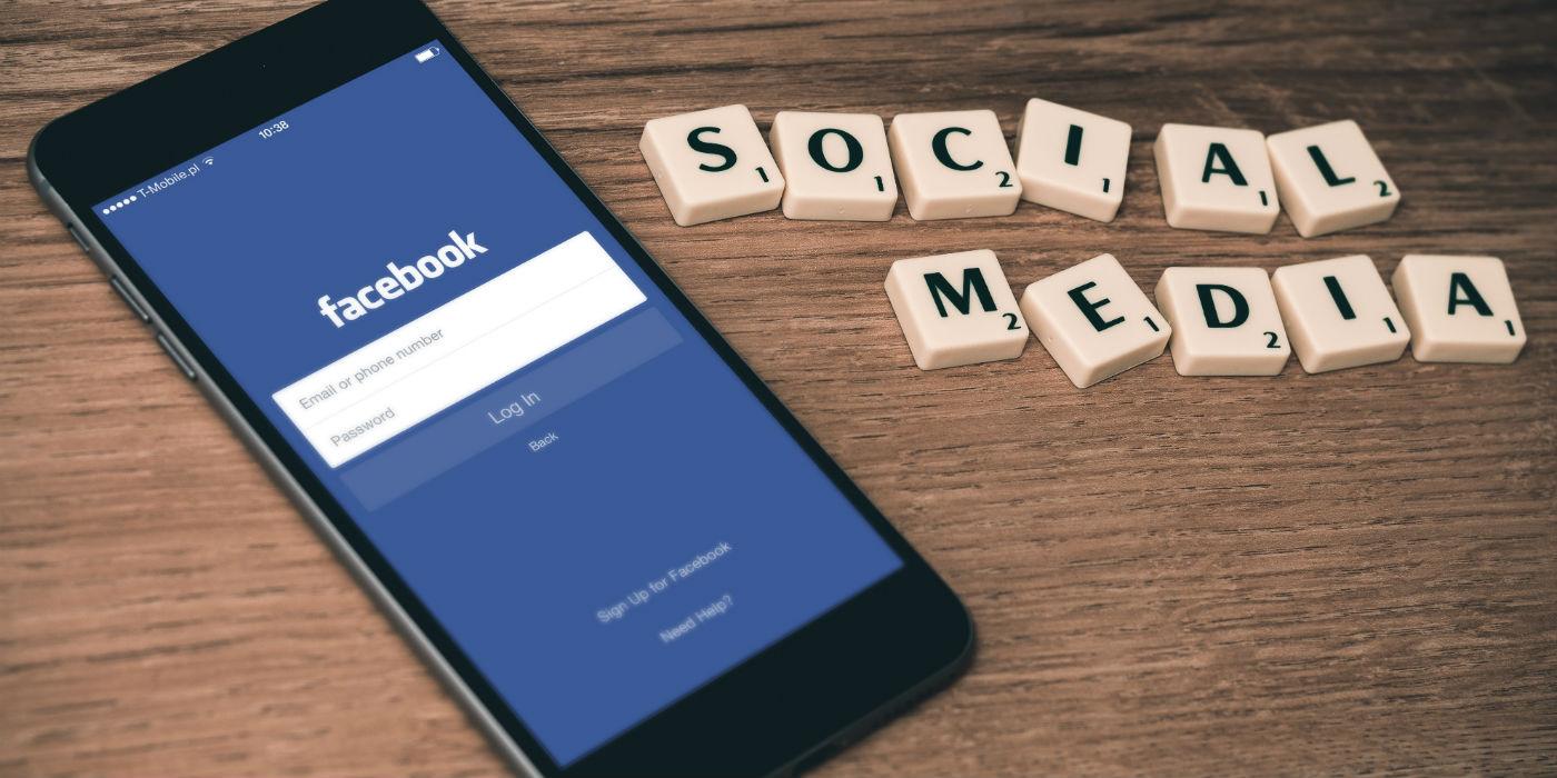 """Wie die Grafik """"Social Media im Onlinehandel"""" zeigt, hat der E-Commerce das Potential auf sozialen Netzwerken noch längst nicht ausgeschöpft. Kunden haben dabei an die Social-Media-Aktivität der Onlineshops konkrete Anforderungen."""