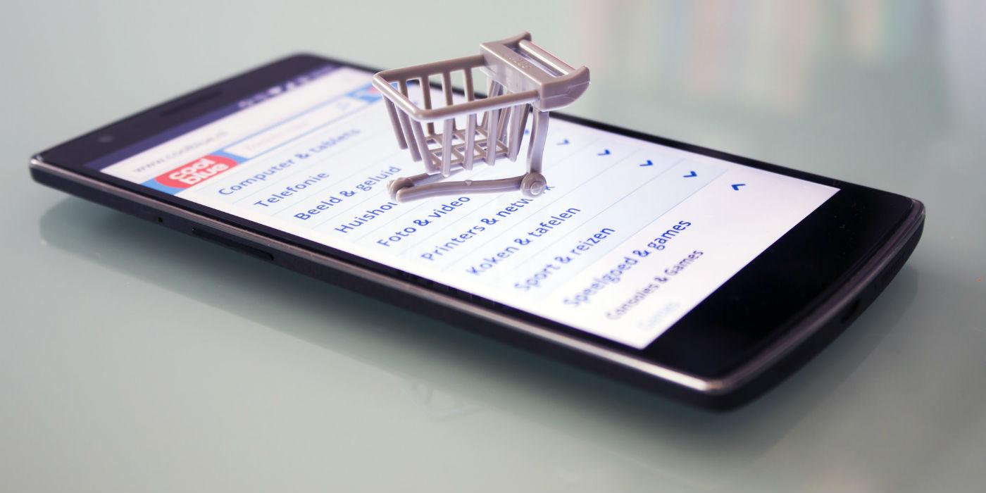 Abends Halb Zehn In Deutschland Zeit Für Online Shopping Gaxsys