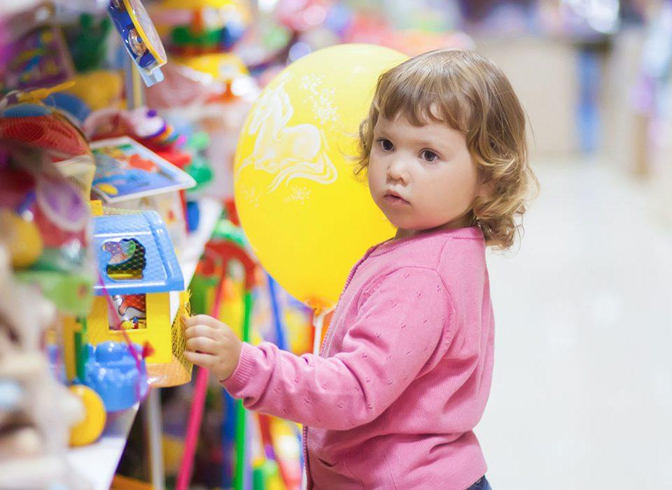 Kind Spielzeug Spielwarenladen